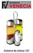 Vinagreras, Juego aceitera y vinagrera con salero,